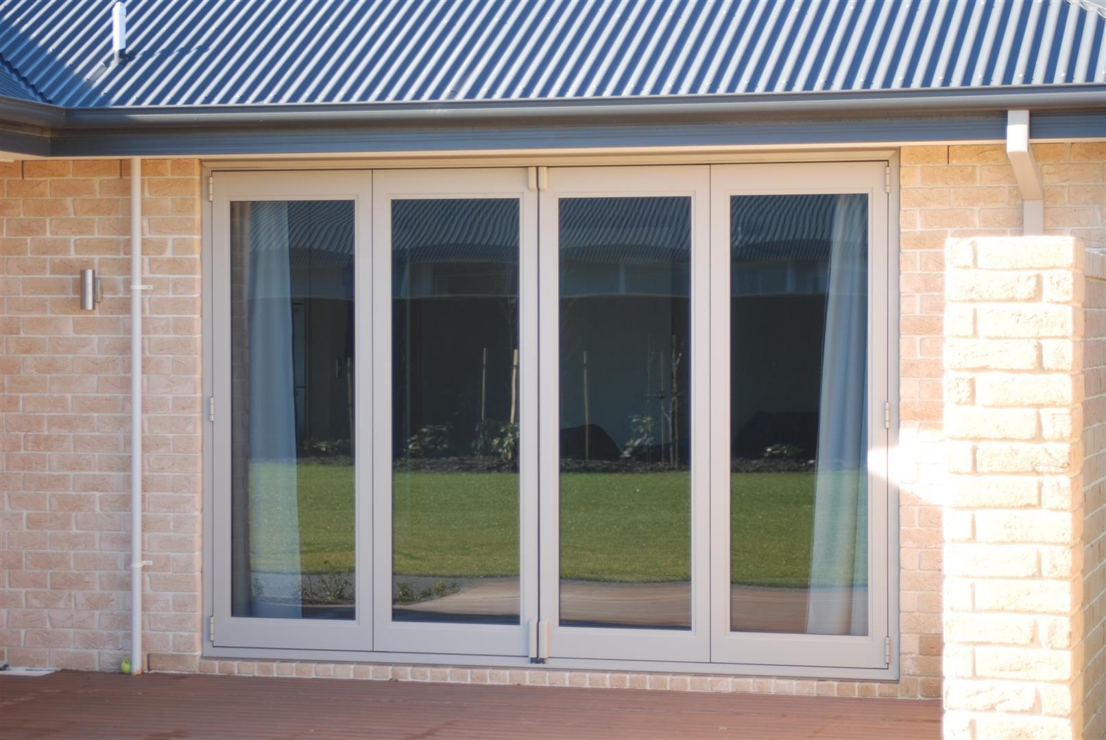 Hufcor doors adelaide hufcor operable partitions for Lotus operable walls